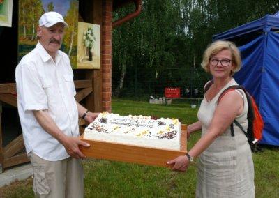 III festyn rodzinny Brzeziny2019-tort od Spolem (1)