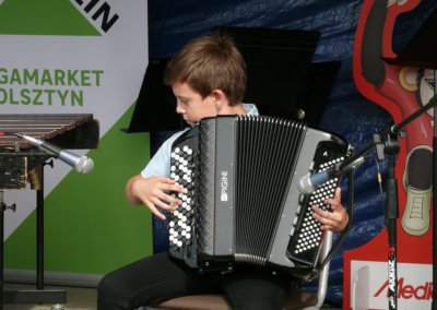 III festyn rodzinny Brzeziny2019- występy artystów (5)